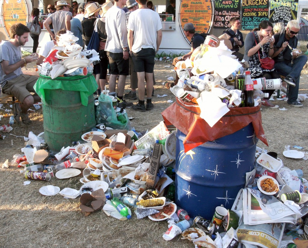 overflowing-bins-glasto