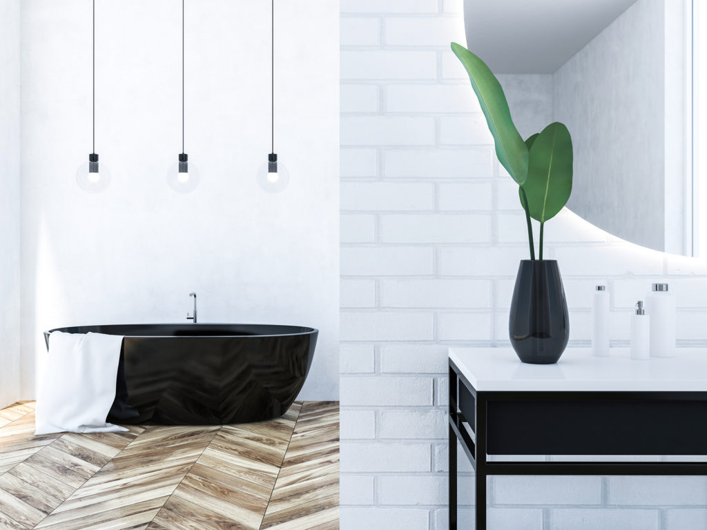 bathroom with second-hand decor