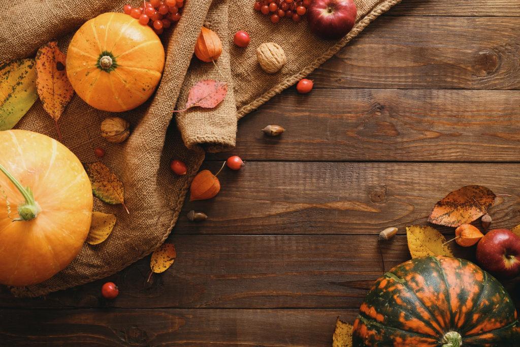 Autumnal Halloween decor
