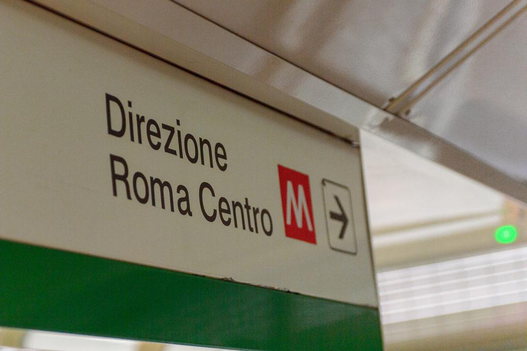 Rome metro sign