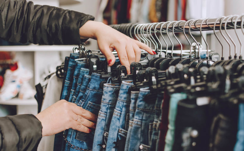 How to avoid fast fashion & dress more sustainably